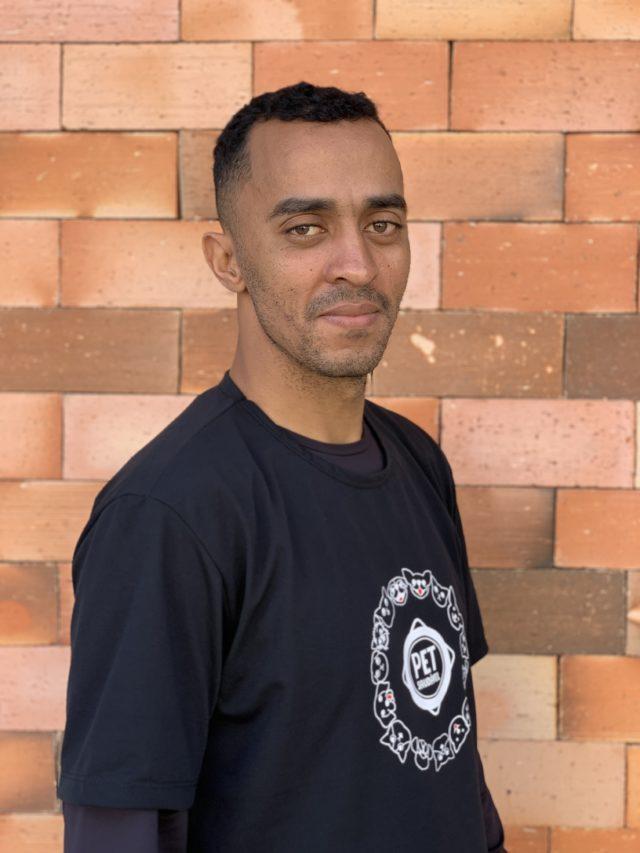 https://www.petsaudavel.vet.br/wp-content/uploads/2020/07/Leandro-640x853.jpg